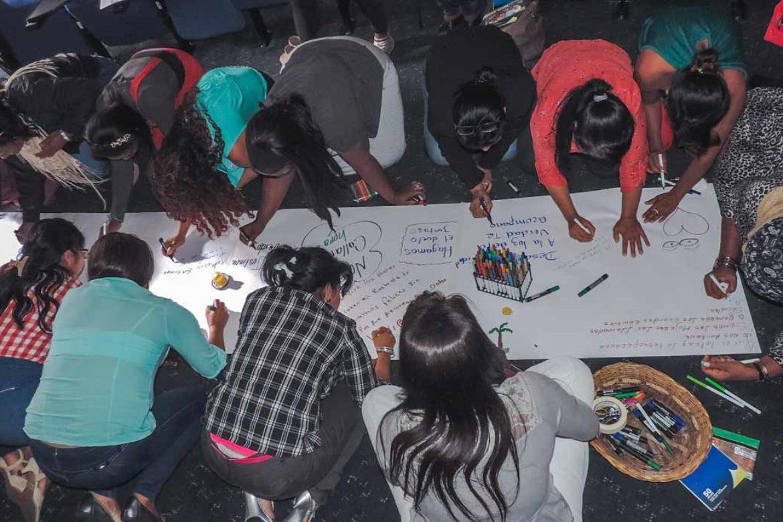 """""""Nuestro cuerpo no es botín de guerra"""". Voces de mujeres sobrevivientes de violencia sexual en Colombia."""